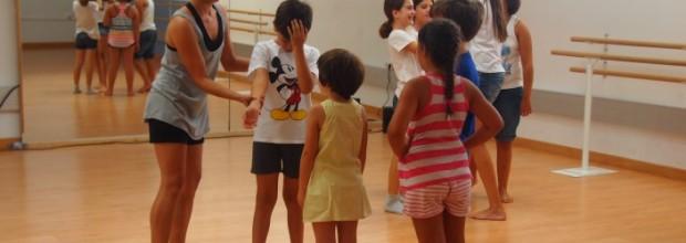 La Escuela de Verano 'Músicas y Danzas del Mundo' despega con una treintena de pasajeros