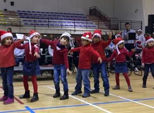 El Musical de Navidad se celebró en el pabellón